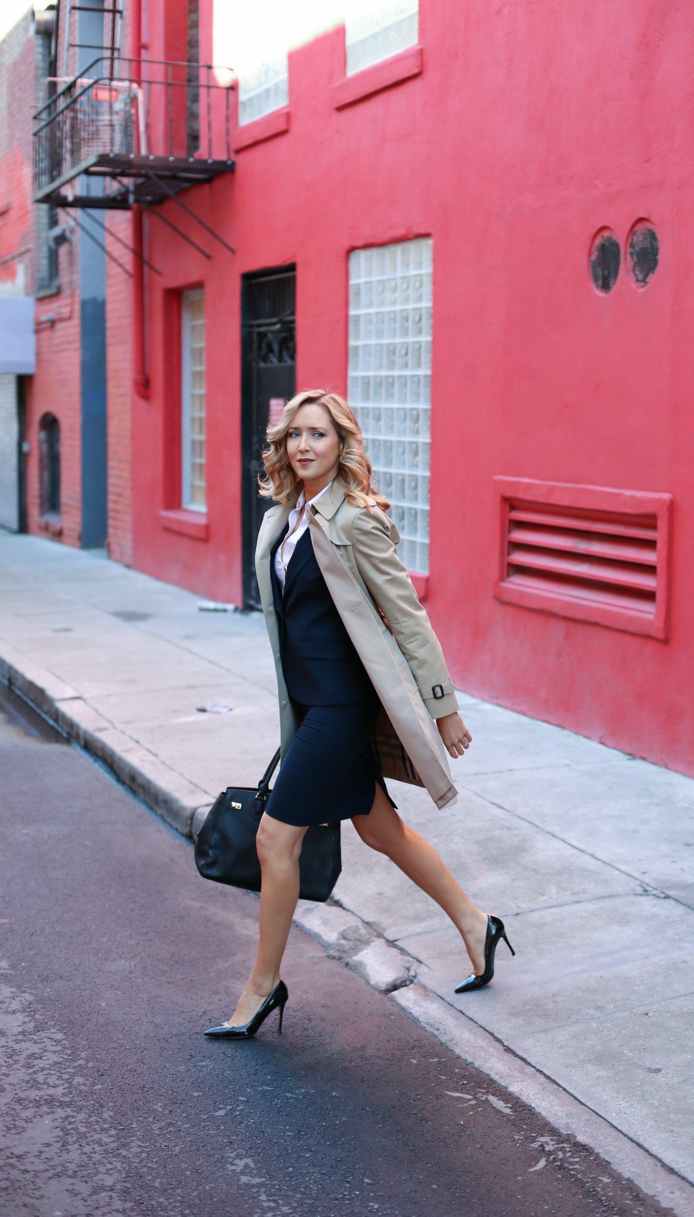 burberry-kensington-trench-coat-henri-bendel-black-carlyle-tote-work-wear interview-attire-professional-women-staples-fashion-style-blog-2